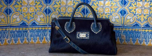 Muu is a Portugues brand of unique handcrafted leatherbags and accessories