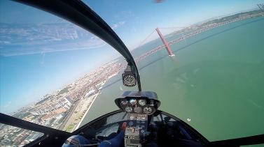 A helicoptersightseeing tour with Lisbon Helicopters is hard to beat