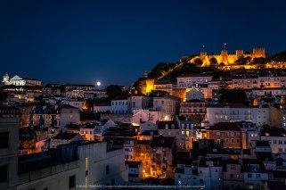 lisbon-night-walking-tour-castle[1]
